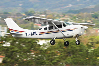 TI-AML - Private Cessna 206 Stationair (all models)