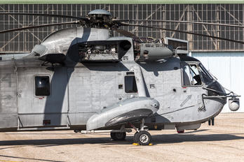 HS.9-14 - Spain - Navy Sikorsky SH-3H