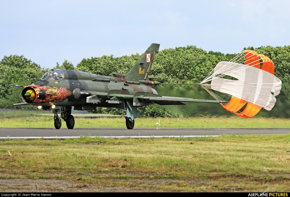 Poland - Air Force 8919 aircraft at Florennes