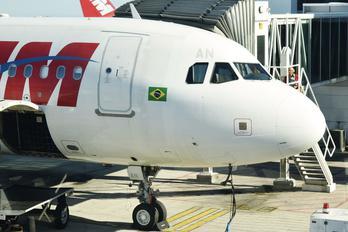 PR-MAN - TAM Airbus A319