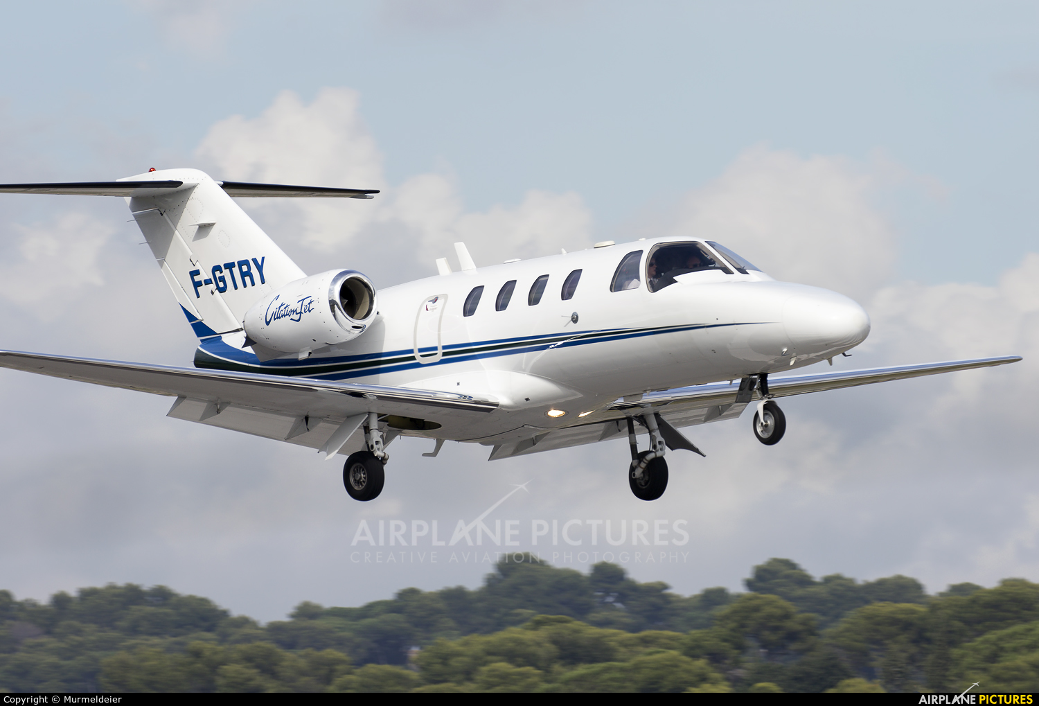 Private F-GTRY aircraft at Cannes - Mandelieu