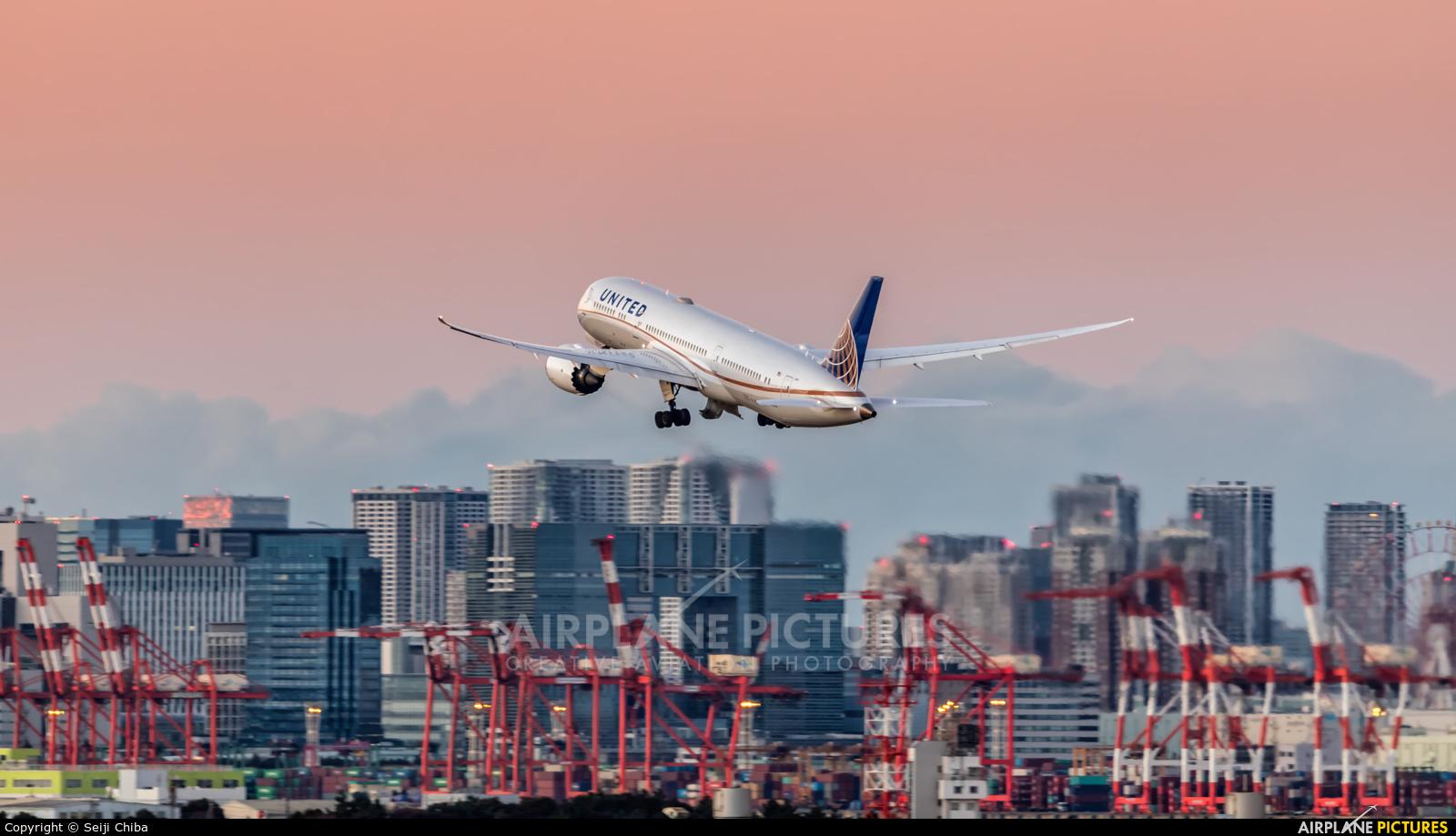 United Airlines N38955 aircraft at Tokyo - Haneda Intl
