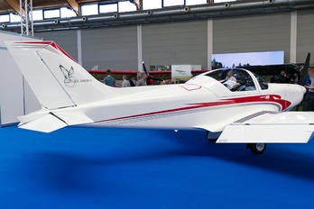 - - Private Alpi Pioneer 300