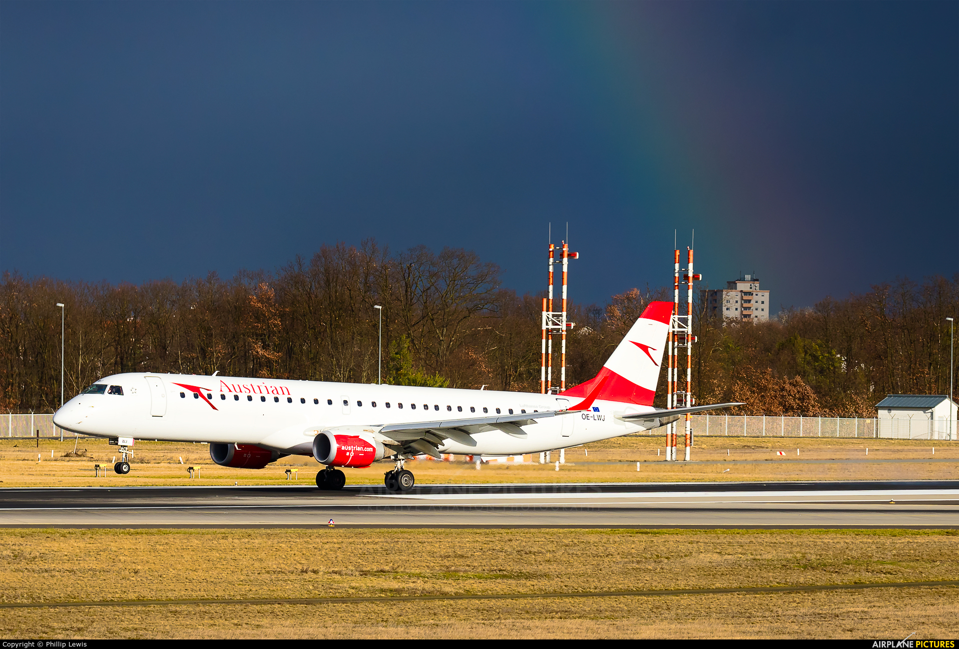 Austrian Airlines/Arrows/Tyrolean OE-LWJ aircraft at Frankfurt