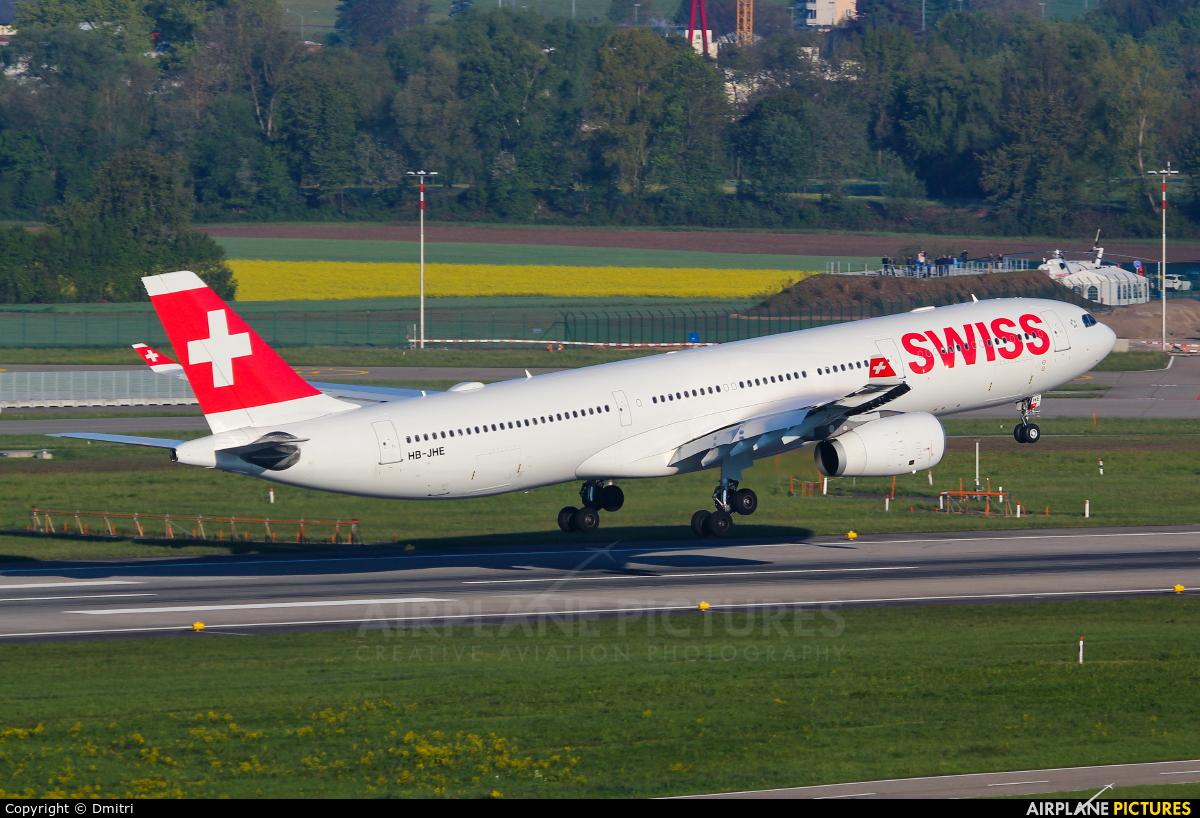 Swiss HB-JHE aircraft at Zurich