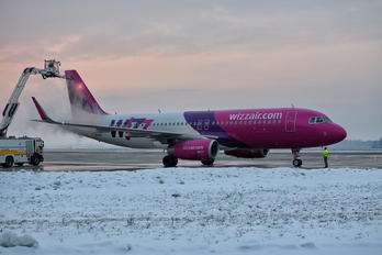 HA-LYK - Wizz Air Airbus A320
