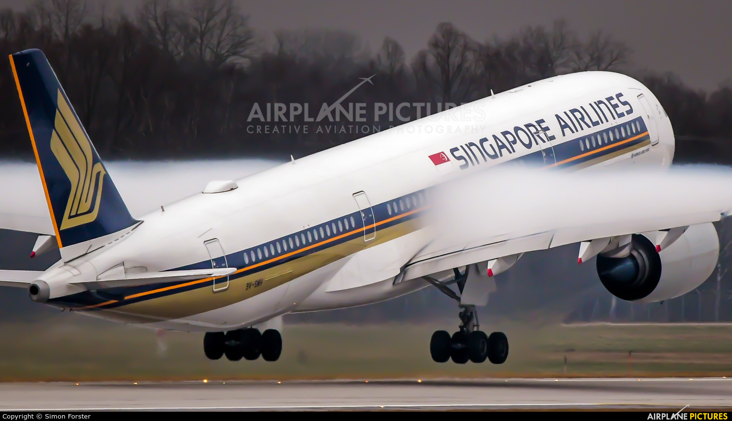 Singapore Airlines 9V-SMM aircraft at Munich