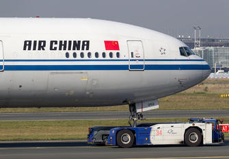 B-2090 - Air China Boeing 777-300ER