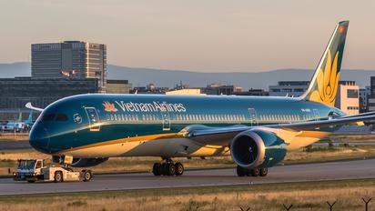 VN-A867 - Vietnam Airlines Boeing 787-9 Dreamliner