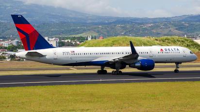 N6714Q - Delta Air Lines Boeing 757-200