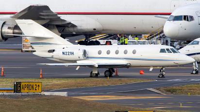 N221H - Private Dassault Falcon 20