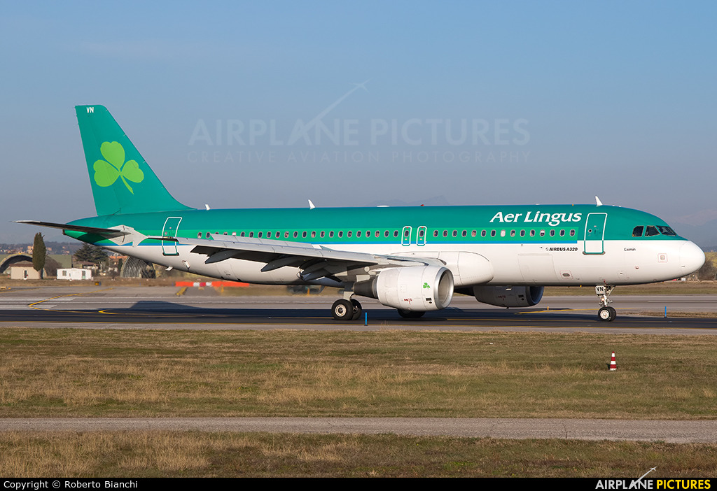 Aer Lingus EI-DVN aircraft at Verona - Villafranca