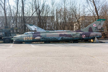 6250 - Poland - Air Force Sukhoi Su-20