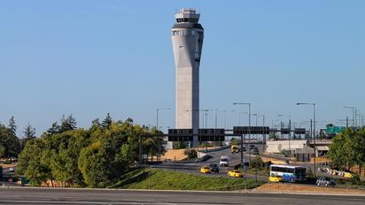 KSEA - - Airport Overview - Airport Overview - Control Tower