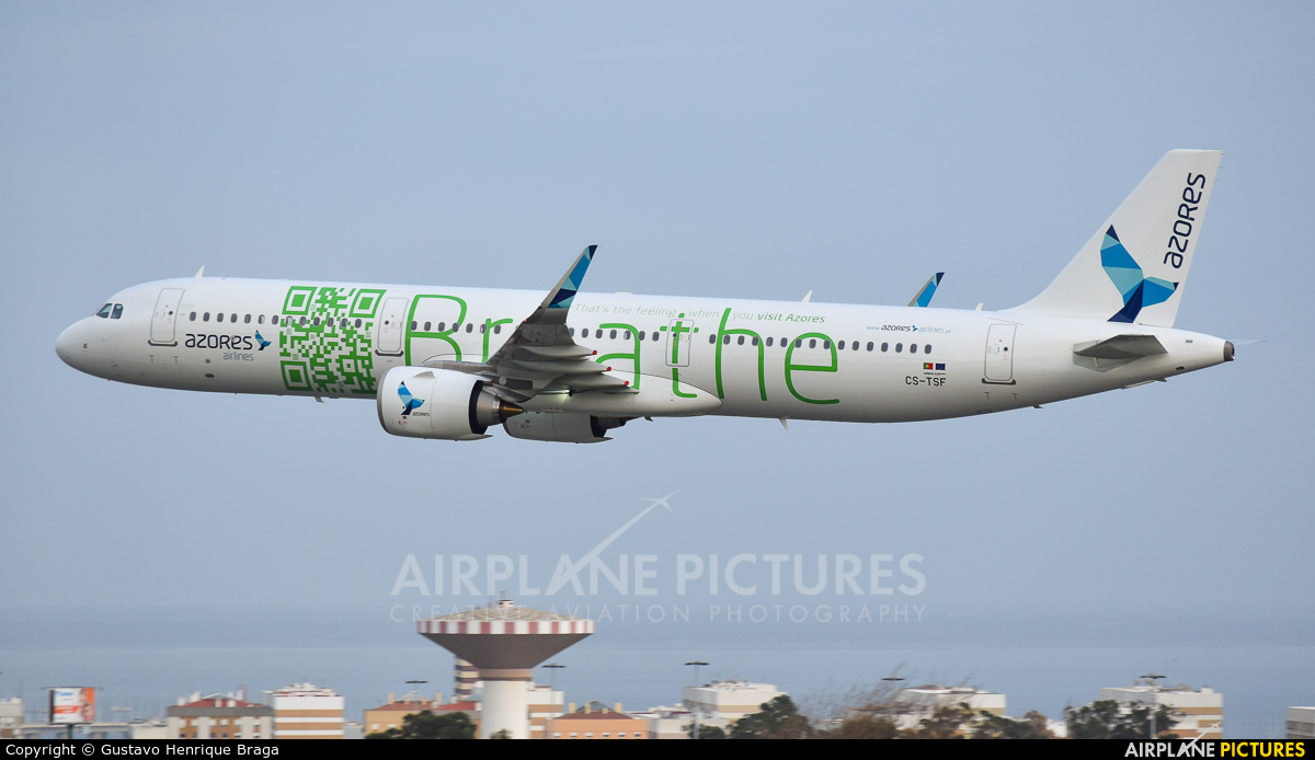 Azores Airlines CS-TSF aircraft at Lisbon