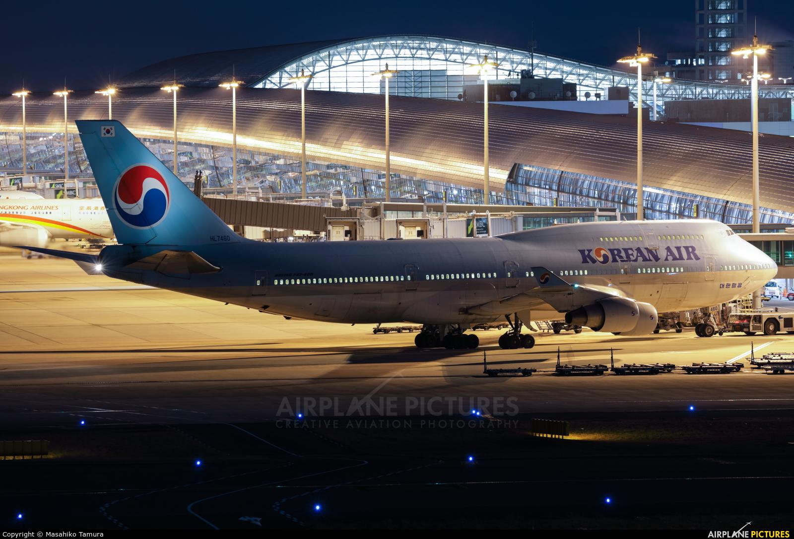 Korean Air HL7460 aircraft at Kansai Intl