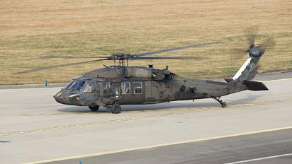 98-26817 - USA - Army Sikorsky UH-60L Black Hawk