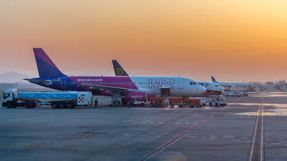- - Wizz Air - Airport Overview - Overall View