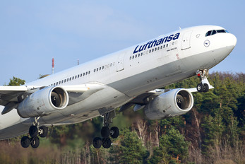 D-AIKH - Lufthansa Airbus A330-300