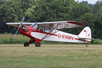 D-EMMV - Private Piper J3 Cub