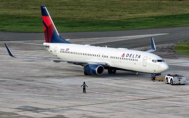 N3767 - Delta Air Lines Boeing 737-800