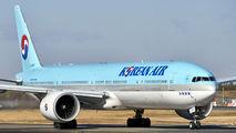 HL8217 - Korean Air Boeing 777-300ER aircraft