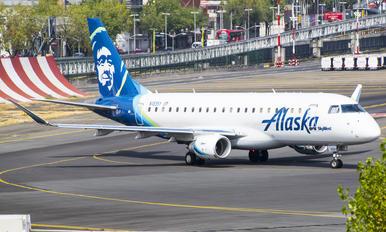 N183SY - Alaska Airlines - Skywest Embraer ERJ-175 (170-200)