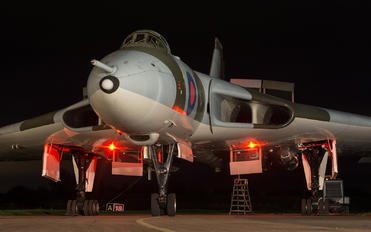 XM655 - Royal Air Force Avro 698 Vulcan B.2