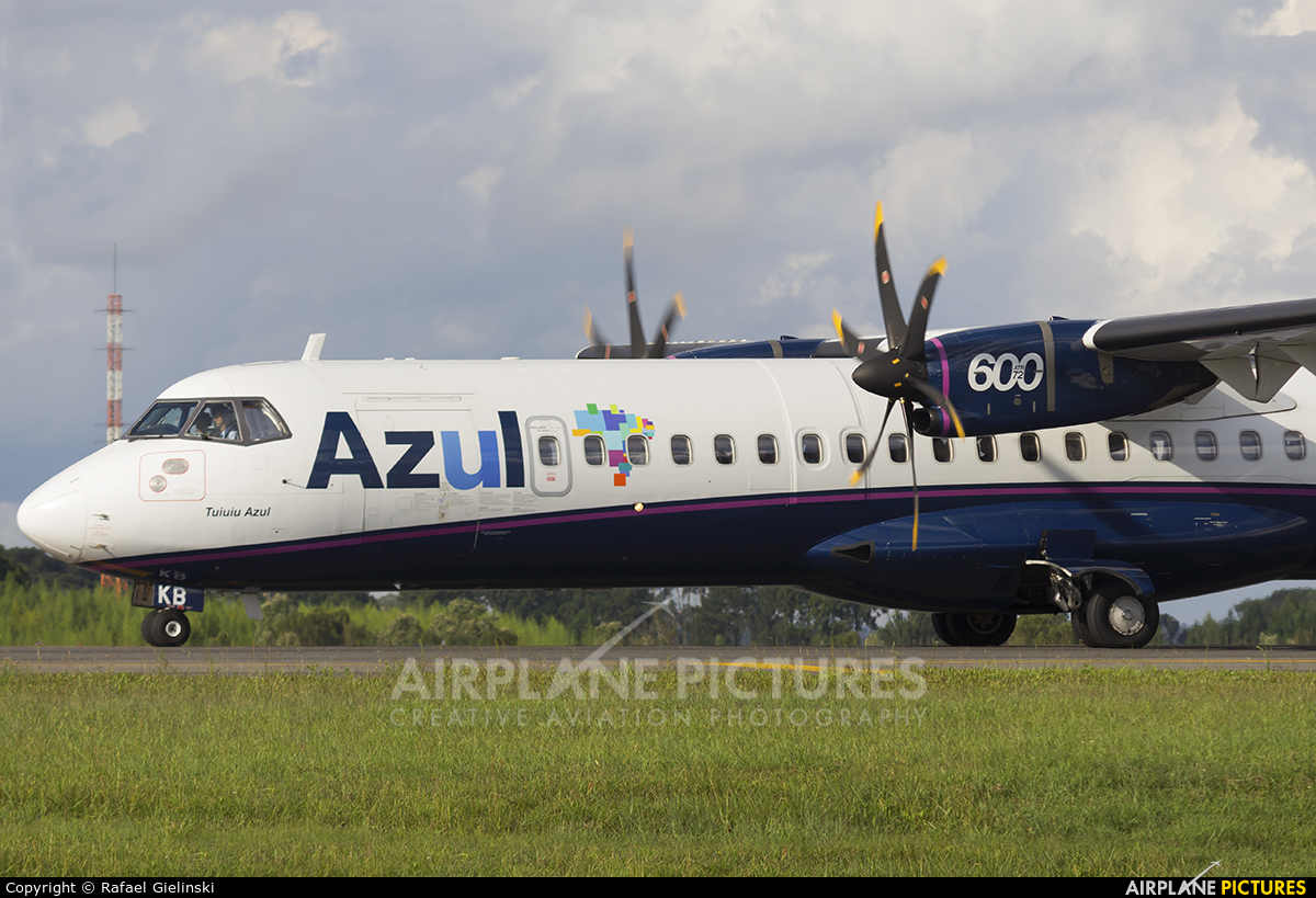 Azul Linhas Aéreas PR-AKB aircraft at Curitiba -  Afonso Pena