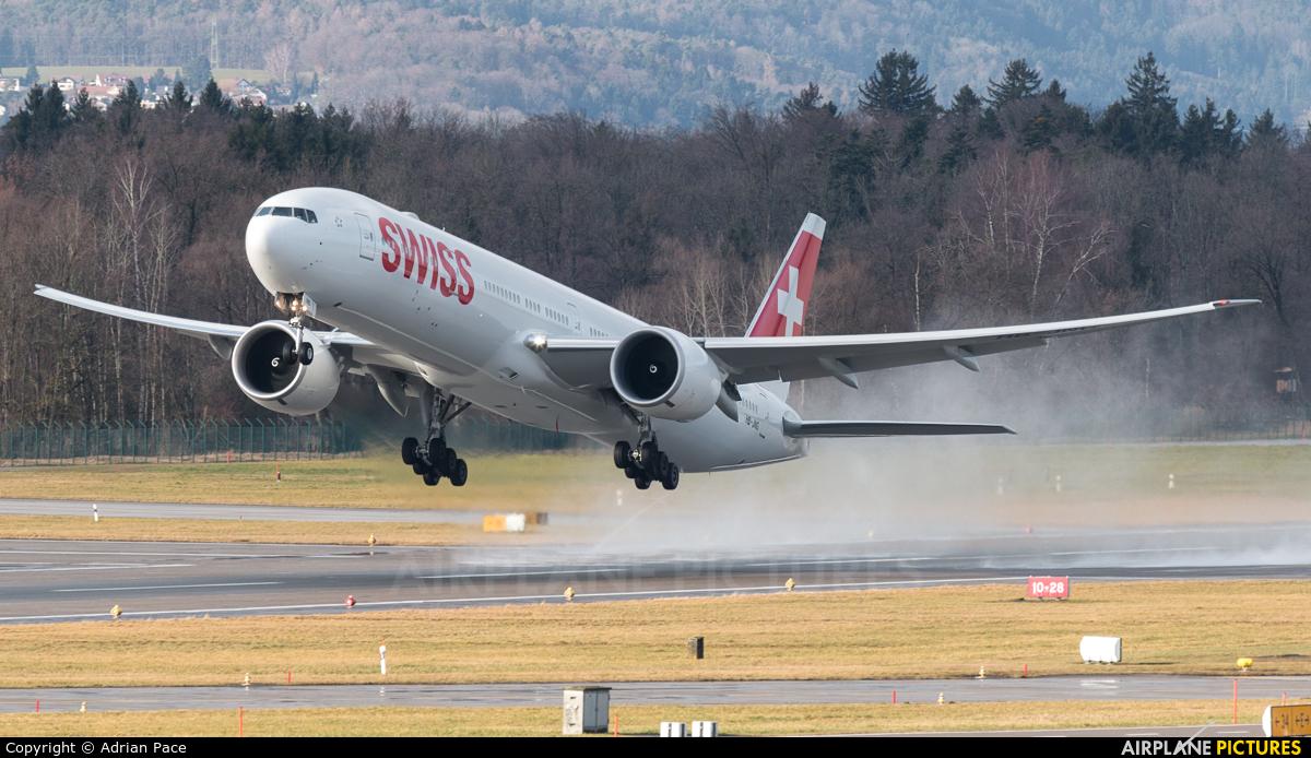 HB-JNG - Swiss Boeing 777-300ER at Zurich | Photo ID 1008205