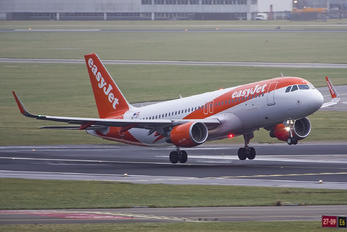 OE-IVT - easyJet Europe Airbus A320