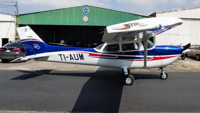 TI-AUM - Private Cessna 172 Skyhawk (all models except RG)