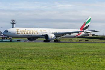 A6-EGY - Emirates Airlines Boeing 777-300ER