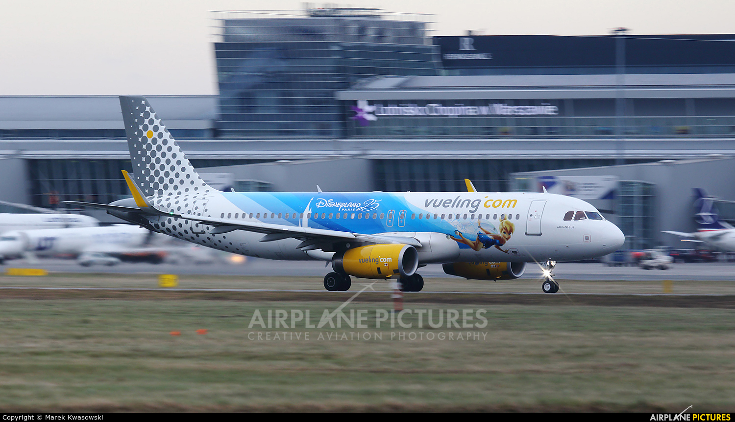 Vueling Airlines EC-MLE aircraft at Warsaw - Frederic Chopin