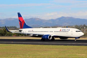 N396DA - Delta Air Lines Boeing 737-800