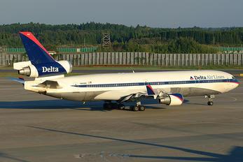 N802DE - Delta Air Lines McDonnell Douglas MD-11