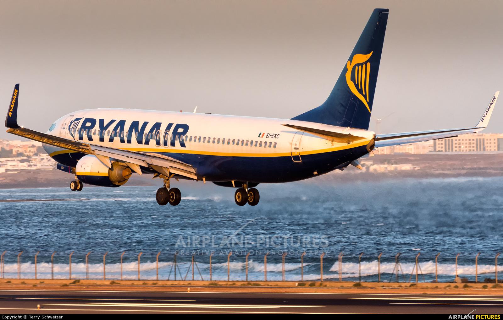 Ryanair EI-EKC aircraft at Lanzarote - Arrecife