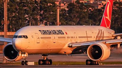 TC-LJJ - Turkish Airlines Boeing 777-300ER