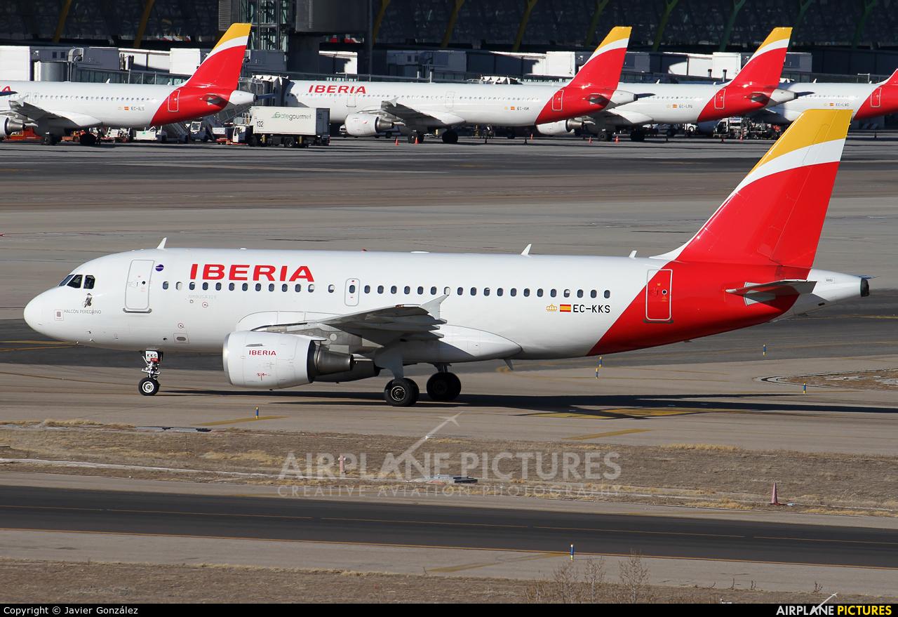 Iberia EC-KKS aircraft at Madrid - Barajas