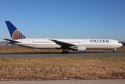 N59053 - United Airlines Boeing 767-400ER aircraft