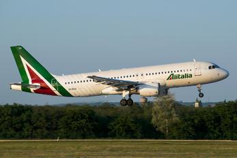 EI-DSX - Alitalia Airbus A320