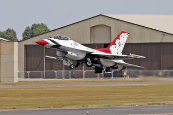87-0303 - USA - Air Force : Thunderbirds General Dynamics F-16C Fighting Falcon