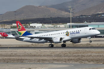 ZS-YAL - South African Airlink Embraer ERJ-190 (190-100)