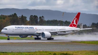 TC-LJK - Turkish Airlines Boeing 777-300ER