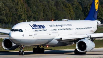 D-AIKB - Lufthansa Airbus A330-300