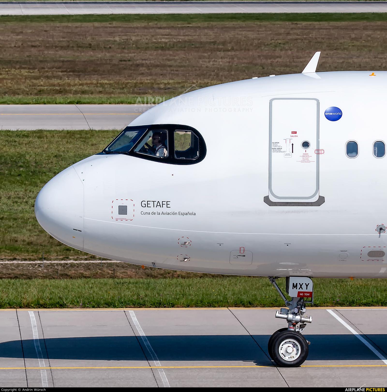Iberia EC-MXY aircraft at Munich