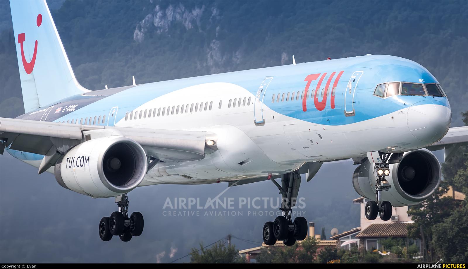 TUI Airways G-OOBC aircraft at Corfu - Ioannis Kapodistrias