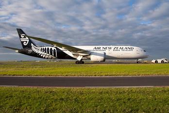 ZK-NZJ - Air New Zealand Boeing 787-9 Dreamliner