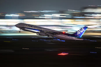 JA8971 - ANA - All Nippon Airways Boeing 767-300