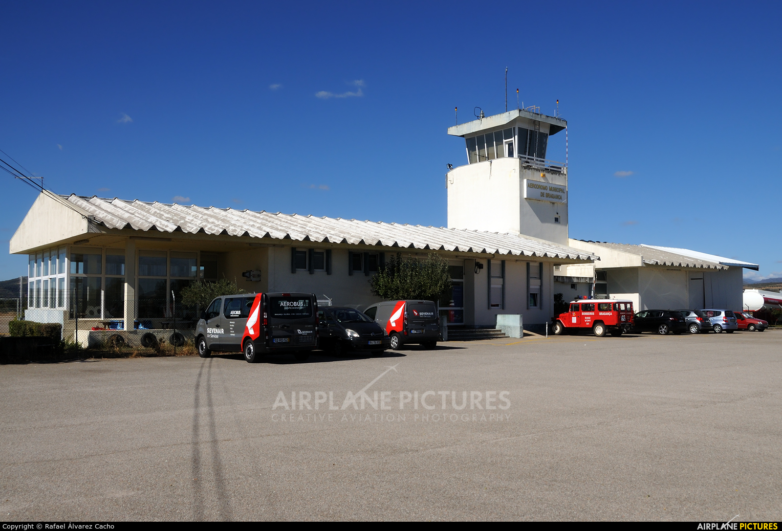 - Airport Overview - aircraft at Bragança